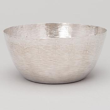 A silver bowl, marked TW, Hopeakeskus, Hämeenlinna, Finland 1975.