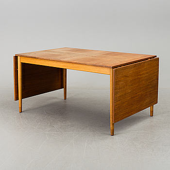 BØRGE MOGENSEN, matbord med klaffar, 1900-talets andra hälft.