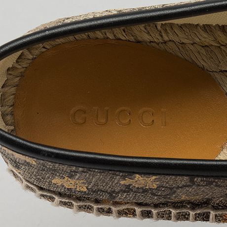 447ddeccf0c4 A pair of Gucci supreme bees espadrillos, marked size 38. - Bukowskis