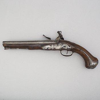 JEAN DE WYK (Utrecht ca1690-1730) flintlåspistol, 1700-talets början, signerad.