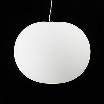 """JASPER MORRISON, taklampa, """"Glo-Ball S-2"""" för FLOS, Italien."""