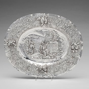 167. A Swedish early 18th century silver dish, mark of Christian Henning, Stockholm 1706.