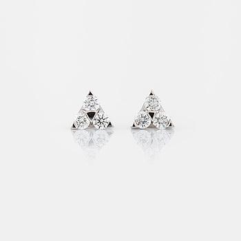 ÖRHÄNGEN, med briljantslipade diamanter, totalt 0.28 ct.
