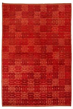 """205. Elsa Gullberg, A CARPET, """"Kinesen"""", knotted pile in relief, ca 397 x 274 cm, designed by av Elsa Gullberg in 1935."""