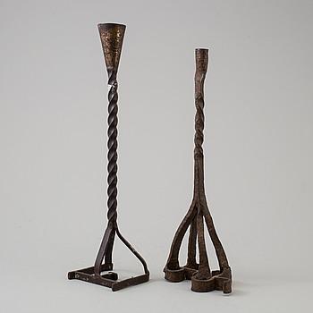 LJUSSTAKAR, två stycken, järnsmide, 1800-tal och 1900-tal.