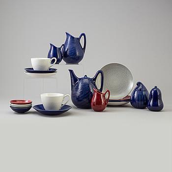 69 pcs of 'Blå Eld' porcelain service by Hertha Bengtsson fr Gustavsberg, second half of the 20th century.