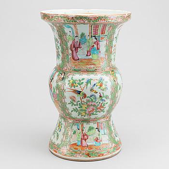 VAS, porslin, Kina Kanton 1800-tal.