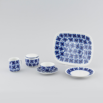 "26 pieces of ""Mon Amie"", designed by Marianne Westman for Rörstrand, third quarter of the 20th century."