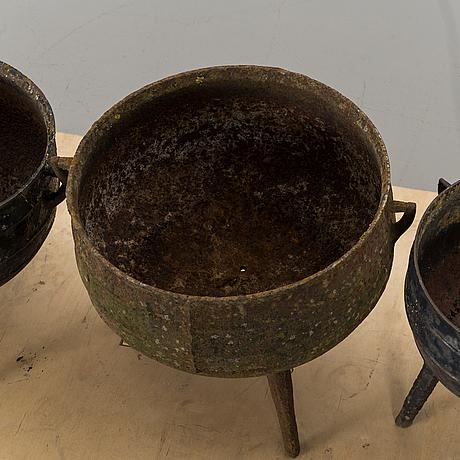 Grytor, gjutjärn, 4 st, 1800 tal