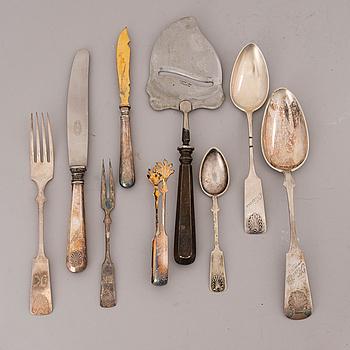 """BESTICK, silver och nysilver 23 + 25 delar, """"Musslan"""", finska stämplar, 1923-1955."""