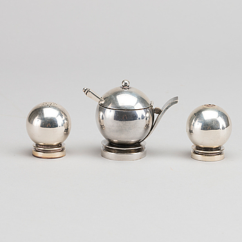 "HARALD NIELSEN, HARALD NIELSEN, ""Pyramid"" a 20thC sterling set of 3 pcs mustard jar and salts, marks of G Jensen."