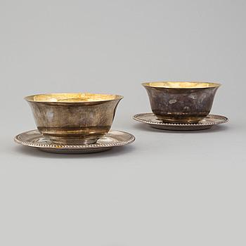 JOHAN PETTER GRÖNVALL, såsskålar med fat, ett par, silver, Stockholm, 1834-6.