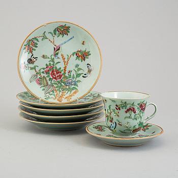 TALLRIKAR, 6 stycken samt KOPP, porslin, Kina, 1840-tal.