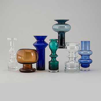 VASER, 7 st, glas, bland annat Tamara Aladin, Helena Tynell, Nanny Still samt Kaj Franck, 1900-talets andra hälft.