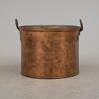 a copper barrel, 19th century.