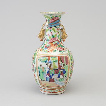 VAS, porslin, Kanton, Kina, omkring 1900.