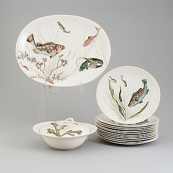 A 15 pieces porcelain servis by Johnson Bros, England, second half 20th century.