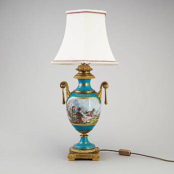 "LAMPFOT, ""Sevrés""-stil, porslin, sent 1800-tal."