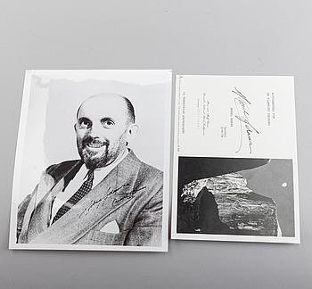 ANSELM ADAMS, självporträtt och fotolitografi, båda signerade.