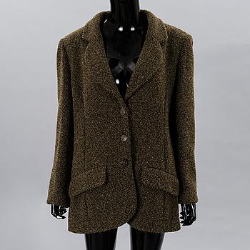 An Olive green Tweed Blazer, size 44(FR).