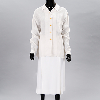 A White Linnen Blouse and a Skirt.