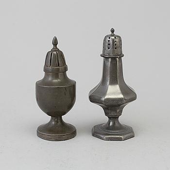 STRÖARE, 2 st, tenn, 1700-tal.