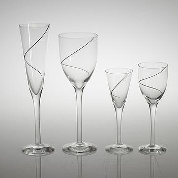 """ANNA EHRNER, 48 delar, glas, """"Line"""", Kosta Boda, 1900-talets slut."""