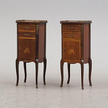 SÄNGBORD, ett par, Louis Seize-stil, 1900-talets andra hälft.