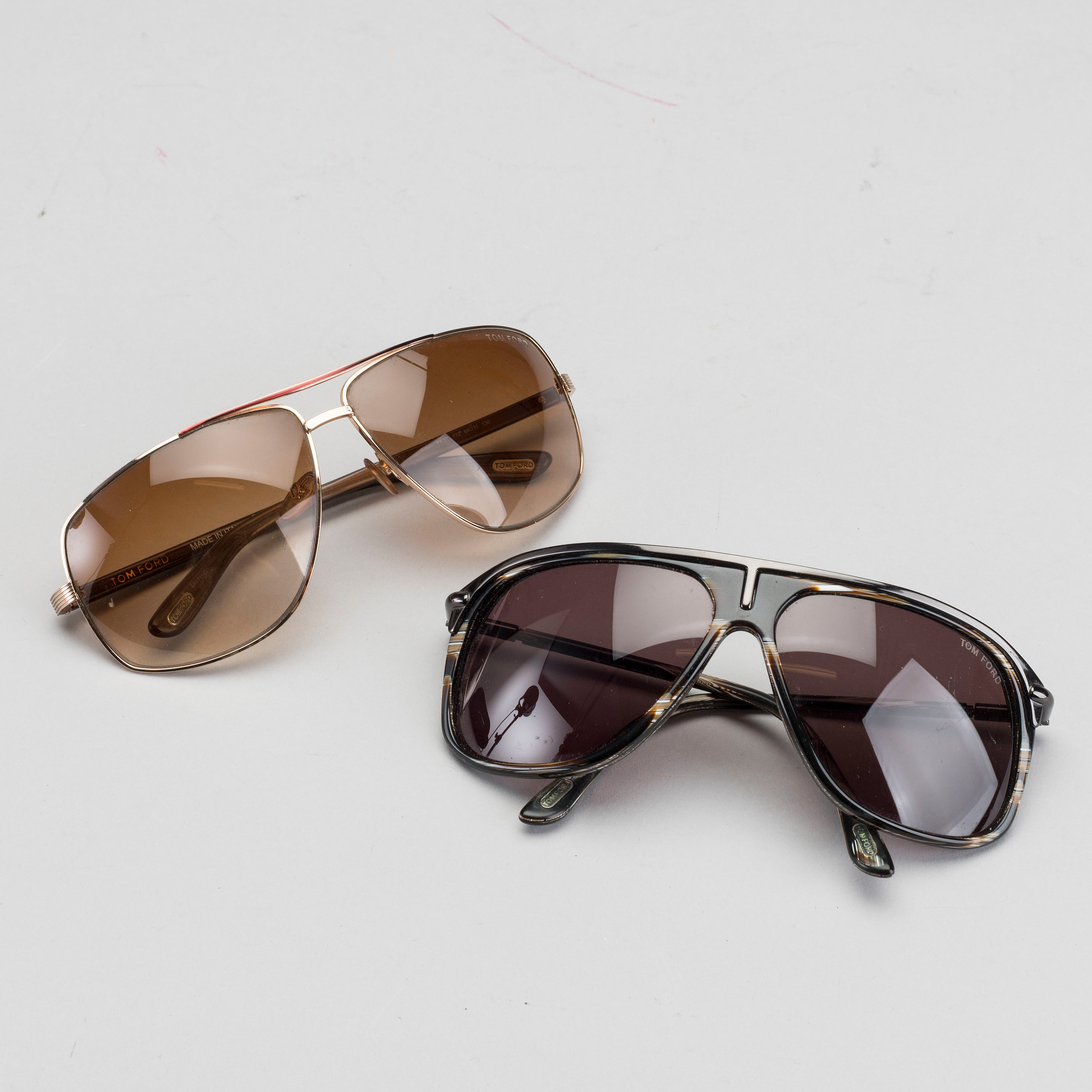 521bf62a64 Two pair of Tom Ford Sunglasses. - Bukowskis
