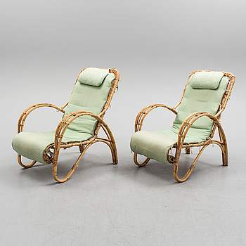 A pair of bamboo and rattan easy chairs, 1940's.