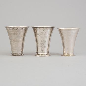 BÄGARE, tre st, silver, svenska stämplar, 1700-tal.