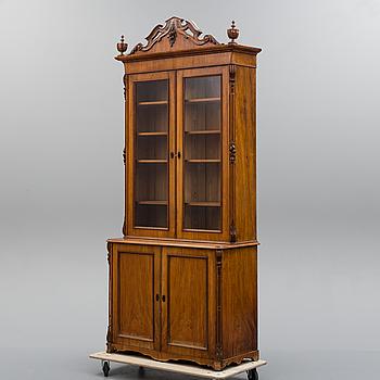 BOKSKÅP, nyrenässans, 1800-talets senare del.