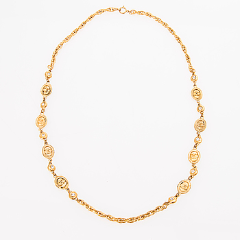 A 1980s Chain Necklace.