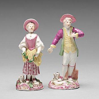 224. FIGURINER, två stycken, mjukt porslin. Marieberg, 1700-tal.