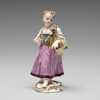 231. FIGURIN, porslin. Meissen, 1700-tal.