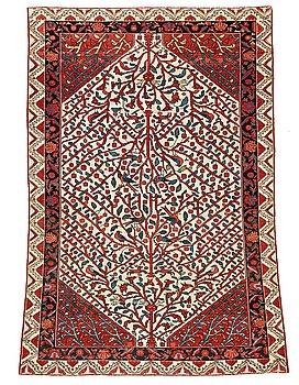 301. MATTA, semiantik Sarouk sannolikt, ca 193 x 141,5 cm (samt en kortsida med 1 cm slätväv).