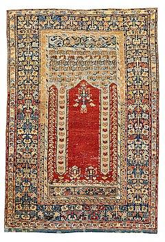 280. MATTA, antik Anatol, sannolikt Gördes, bönematta, ca 177 x 124,5 cm (samt kortsidorna med 3 respektive 1 cm slätväv).