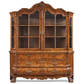 33. A Dutch 18th century cabinet.