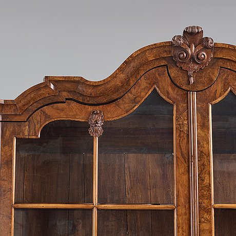 A dutch 18th century cabinet.