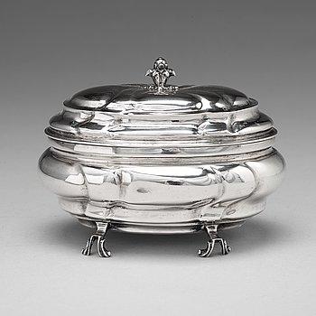 102. Niclas Warneck, sockerskrin, silver, Karlstad 1755, tidig rokoko.