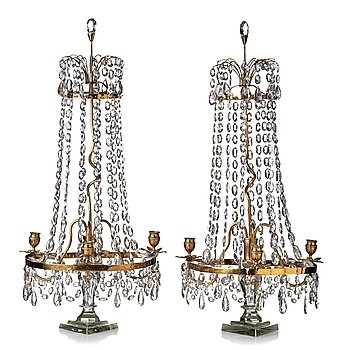 75. BORDSLYSTRAR, för tre ljus, ett par, 1700-talets slut, Georg III England.