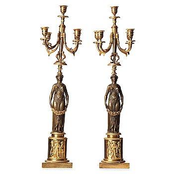 77. KANDELABRAR, för fem ljus, ett par, 1800-tal, Empire.