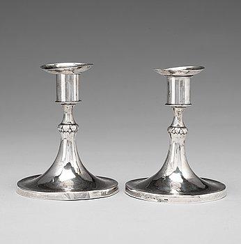 108. Mikael Nyberg, ljusstakar, s.k. spelstakar, ett par, silver, Stockholm 1787, Gustavianska.