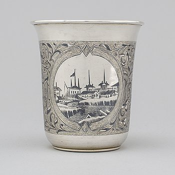 A Russian 19th century silver and niello beaker, marked Pavel Ovchinnikov, Moscow 1868.