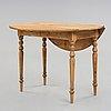 A swedish 19th century drop-leaf table.
