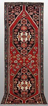 GALLERIMATTA, Hamadan, ca 310 x 100 cm.