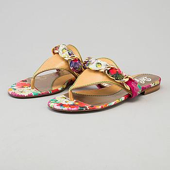 DOLCE & GABBANA, sandaler, storlek 38.
