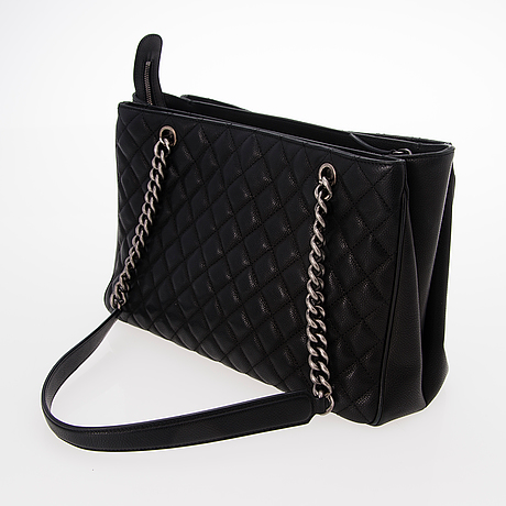 A black quilted chevron leather shopper.
