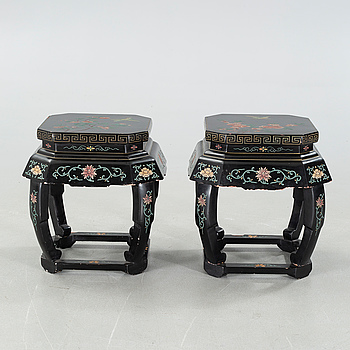SIDO- / LAMPBORD, ett par, Kina, sent 1900-tal.