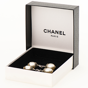 61c2e3c287900 Chanel Classics - Bukowskis